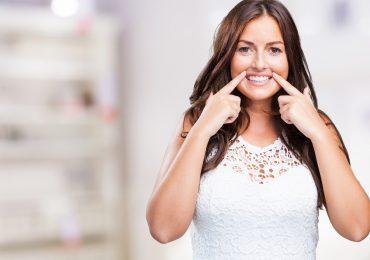 """Дентална клиника """"Дамянов"""" Избелване на зъбите Избелване на зъбите"""